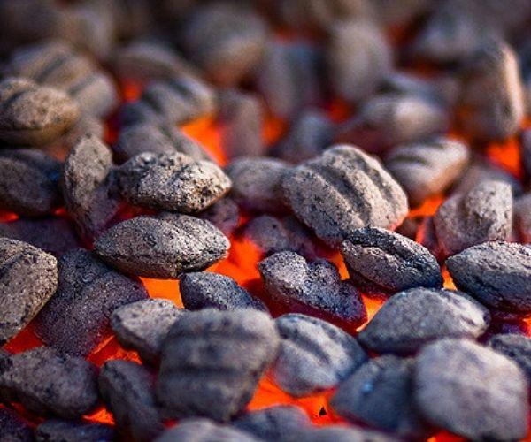 Charcoal-Briquettes